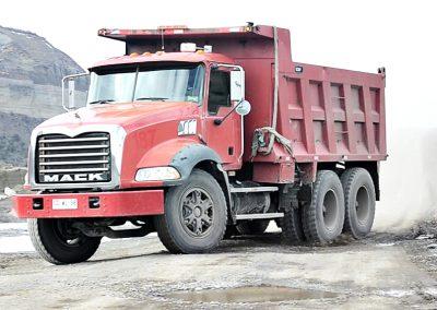 002 - Arriendo Maquinas y Camiones