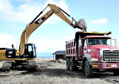 003 - Arriendo Maquinas y Camiones