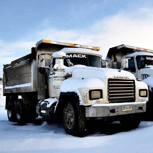 Arriendo de Máquinas y Camiones