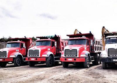 12 Arriendo Maquinas y Camiones (1)